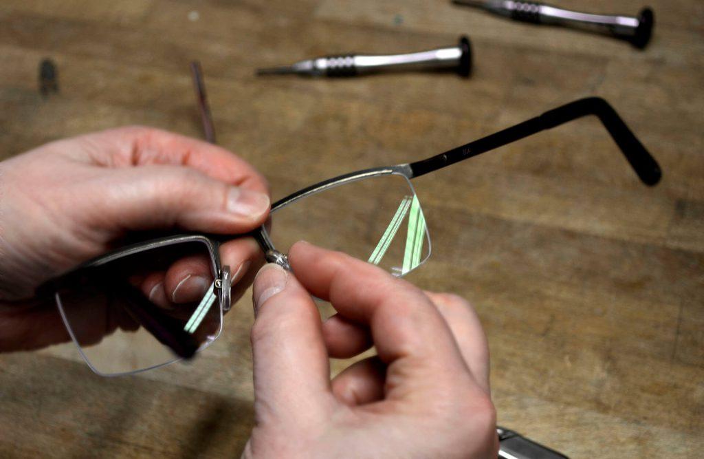 Service - Nasenpads bei Spree Optik in Moabit in eigener Werkstatt