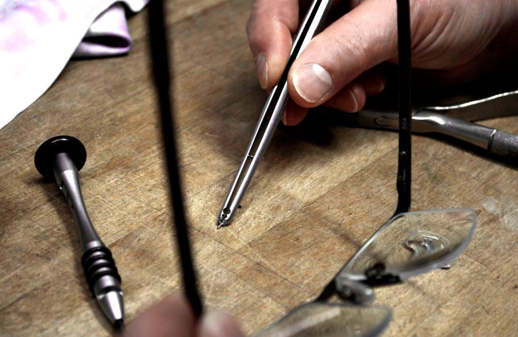 Service - Arbeiten und Reparaturen bei Spree Optik in Moabit in eigener Werkstatt
